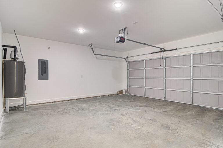 3865 Shattalon Dr garage